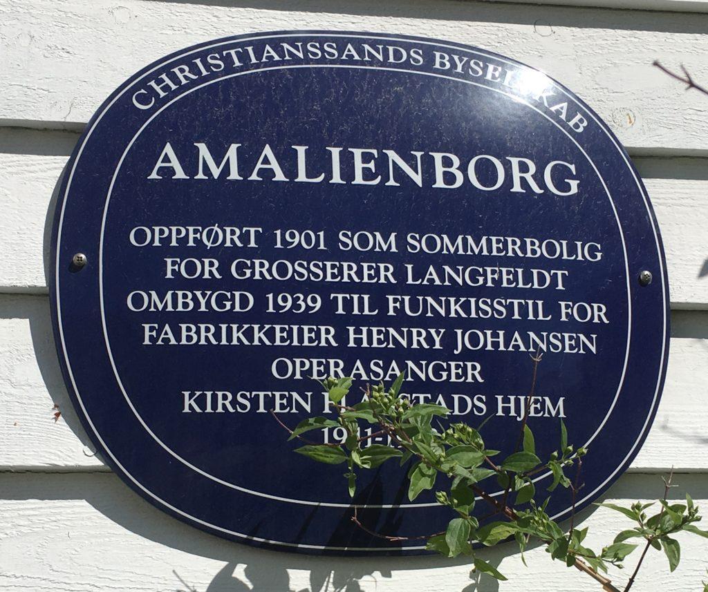 Dette bildet mangler alt-tekst; dets filnavn er AMALIENBORG-1024x857.jpg